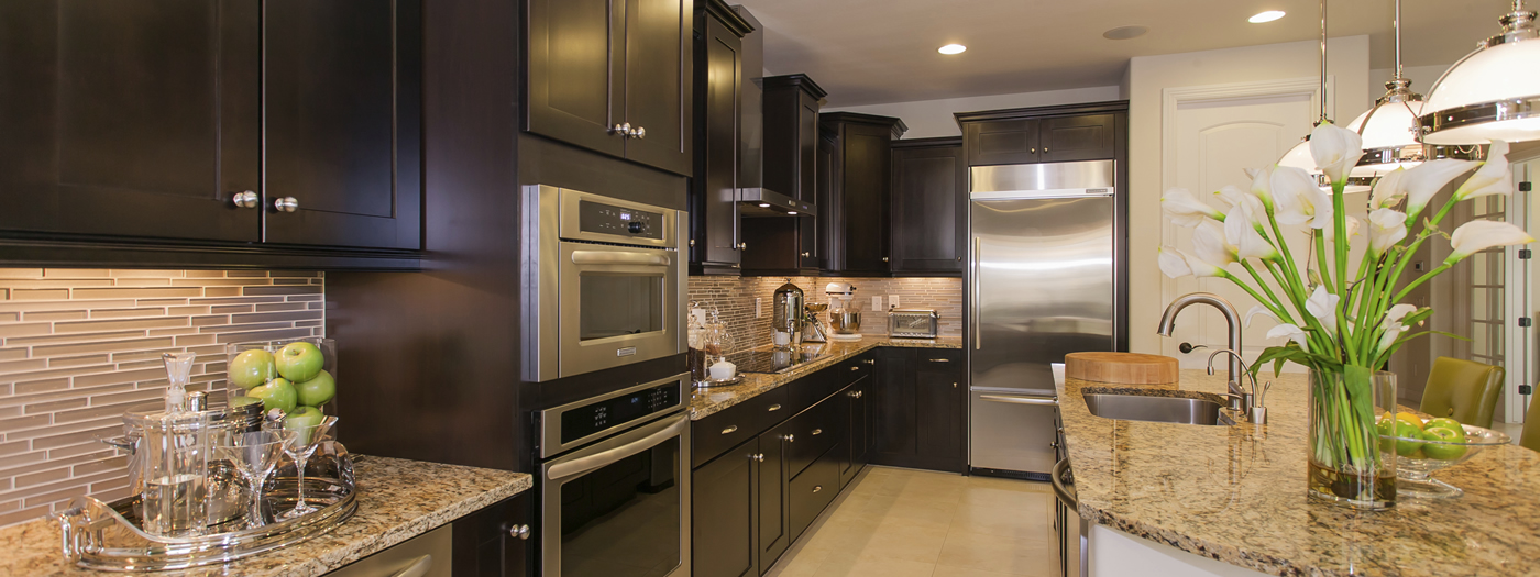 Kitchen Under Cabinet and Recessed Lighting